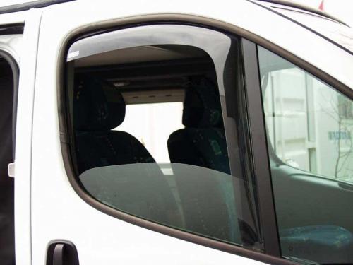 Купить онлайн Ветрозащитный кожух водительской / пассажирской двери для Renault Trafic / Opel Vivaro с 2014 г.