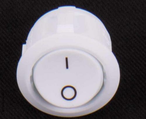 Купить онлайн Встроенный выключатель 12В (вкл / выкл) Ø20мм, белый
